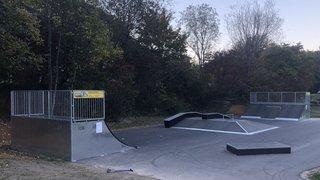 Un skatepark ouvre à Saint-Maurice, celui de Troistorrents fermé