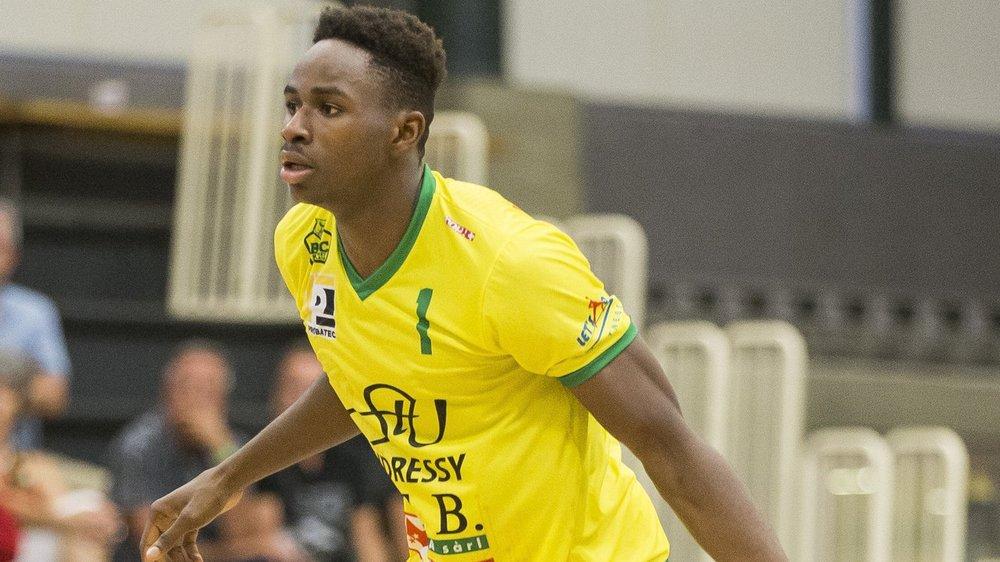 Pour la première fois de sa vie, Boris Mbala enfilera un maillot d'adversaire de Fribourg Olympic.
