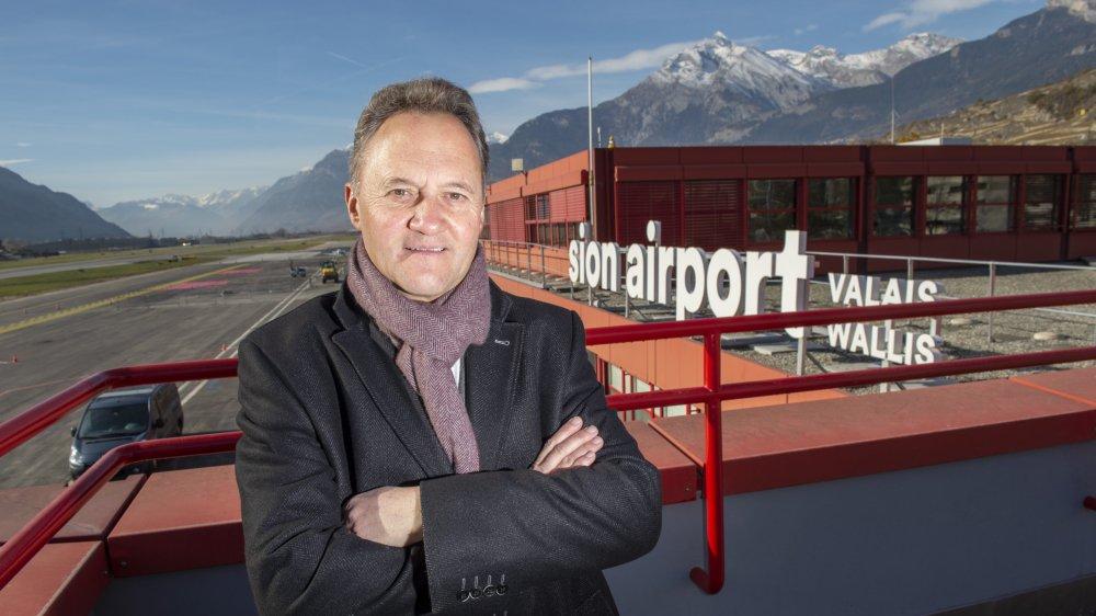 Christian Bitschnau reste confiant malgré les vents contraires qui soufflent sur l'aéroport de Sion.