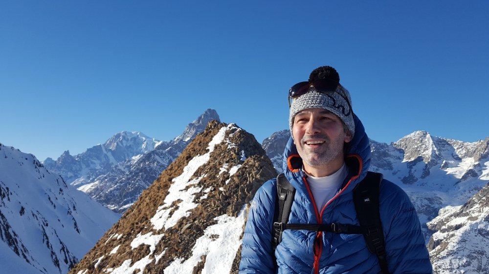 Secrétaire de l'Association suisse des guides de montagne, Pierre Mathey compare le travail du guide à celui d'un artisan, proposant du sur-mesure chaque jour.