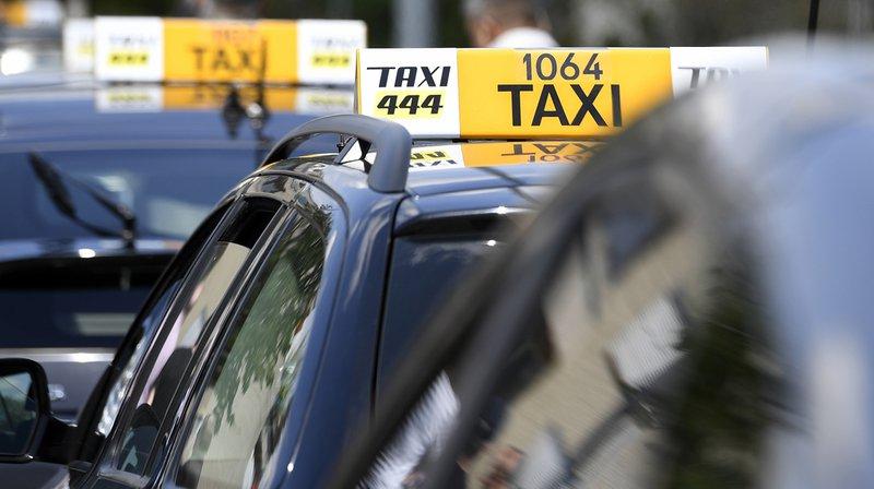 Saint-Gall: un chauffeur de taxi et son client s'endorment et sortent de la route