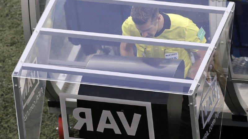 Football: les clubs ont voté, l'arbitrage vidéo débarque dès la saison prochaine en Super League