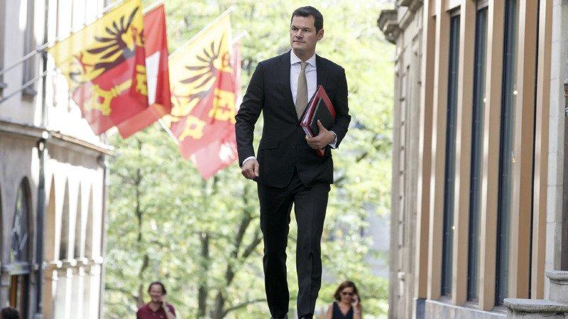 Affaire Maudet: convoqué par le PLR suisse mercredi à Berne, le ministre genevois décline l'invitation