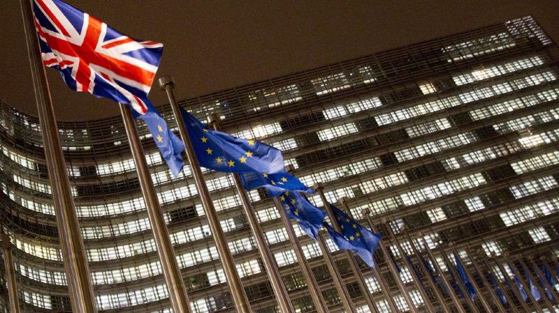 Brexit: les dirigeants européens acceptent le traité de sortie du Royaume-Uni de l'UE