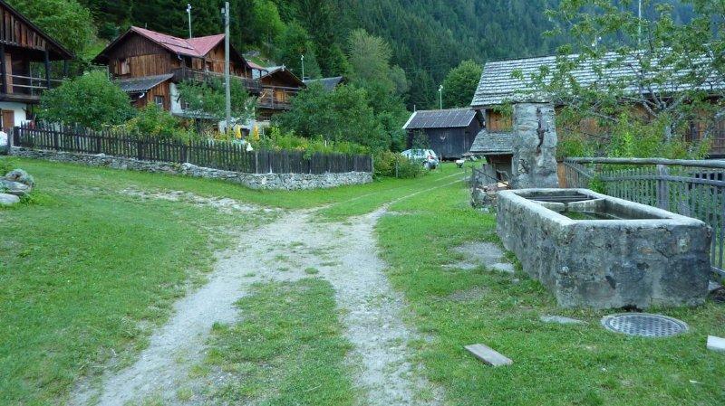 Les propriétaires des résidences secondaires sont soucieux du maintien de l'accès aux hameaux de La Crettaz et du Revé.