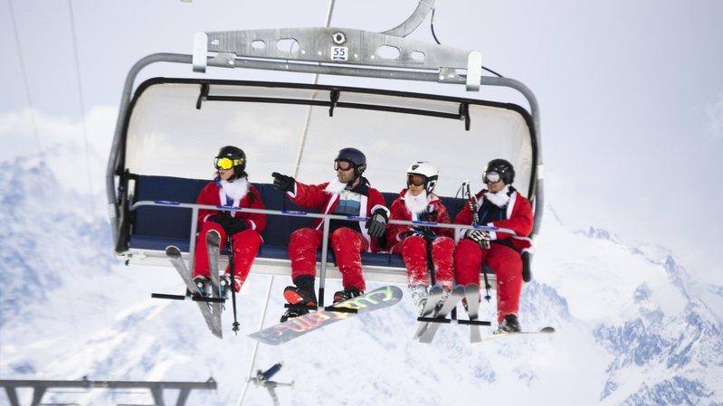 A Verbier, skier le jour de la Saint Nicolas est traditionnellement gratuit pour ceux qui viennent déguisés en Père Noël.
