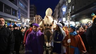 Le Saint-Nicolas a défilé dans les rues de Fribourg