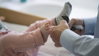 Congé paternité de deux semaines en consultation