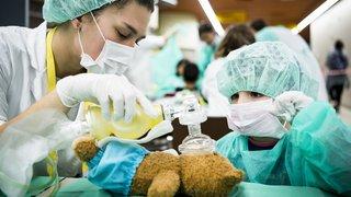 Lausanne: près de 900 doudous ont été soignés au CHUV ce week-end