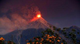 Eruption du Fuego au Guatemala: alerte rouge et évacuations