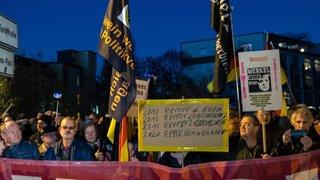 A Chemnitz, Merkel défend sa politique migratoire