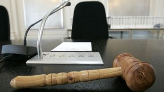 Sion: le procureur Vergères doit lâcher l'affaire des chirurgiens