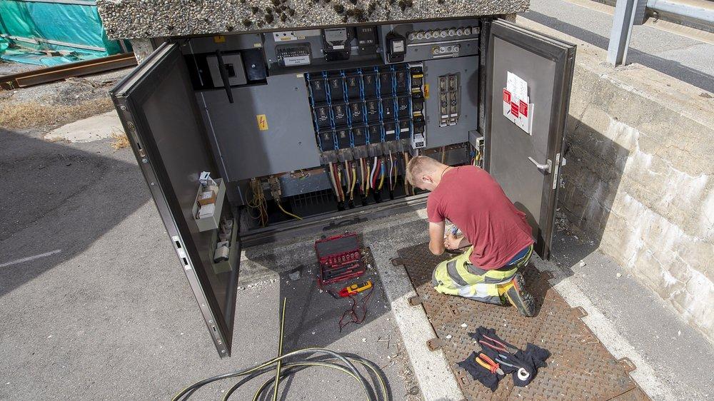 Valais: les électriciens gagneront 50 francs en plus