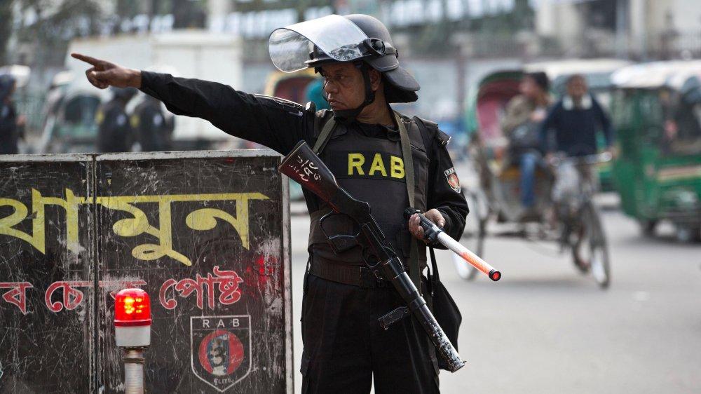 Des heurts ont éclaté au Bangladesh entre des membres de l'opposition et des partisans de la première ministre sortante.
