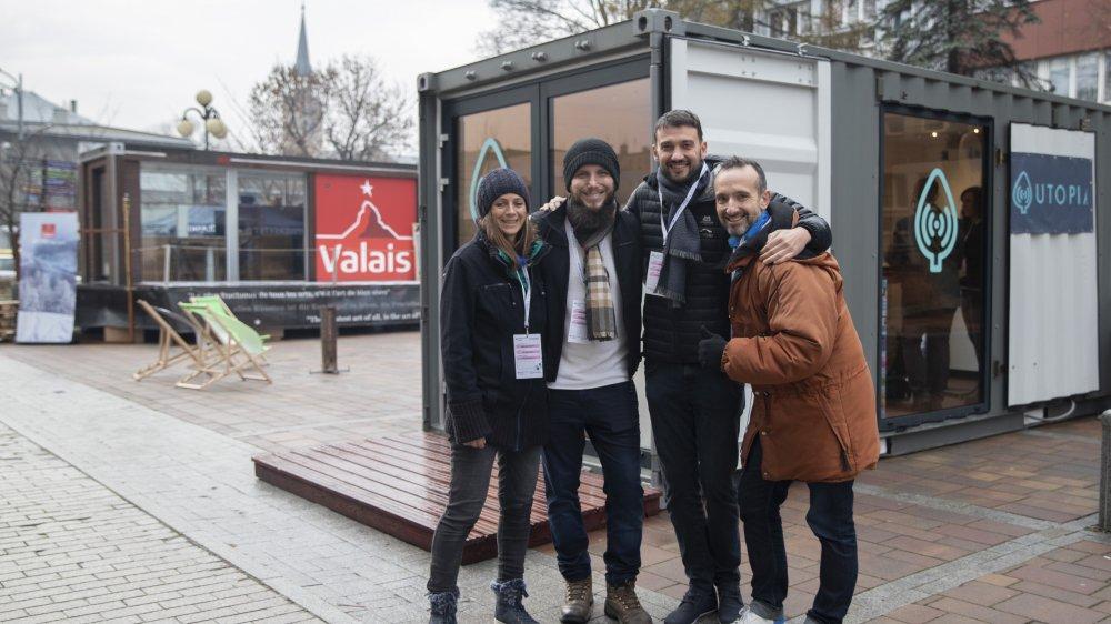 Une partie des membres de la team Utopia: Marie du Pontavice (présidente de l'association), Henry Shelonzek (membre polonais de l'équipe), Benoît Florey (Membre Utopia et d'Astori) et Bertrand Viala (membre Utopia de St-Etienne).