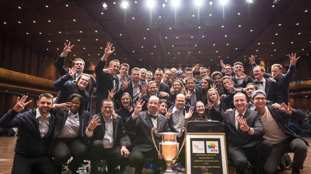 Le quatrième titre consécutif de champion suisse remporté le 25 novembre dernier à Montreux a permis au Valaisia Brass Band de conclure en beauté une année 2018 exceptionnelle.