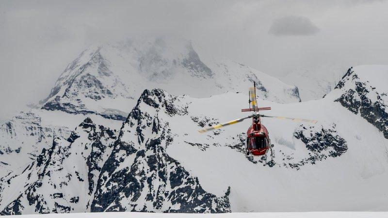 Les secouristes ont rapidement localisé le cinquième skieur qui était complètement enseveli.