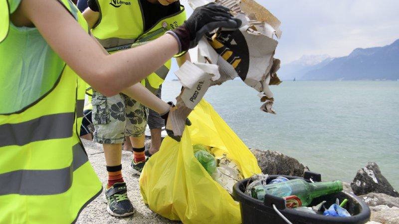 Chaque année, 50 tonnes de plastique se retrouvent dans le lac Léman