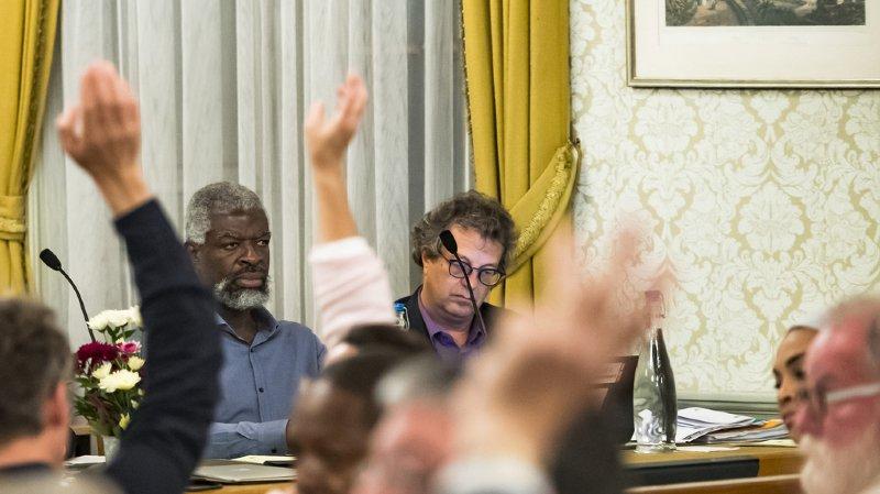 Le municipaux de Vevey Michel Agnant (à gauche) et Jérôme Christen ont été suspendus de leur fonction, pour une durée de six mois, par le Conseil d'Etat vaudois.