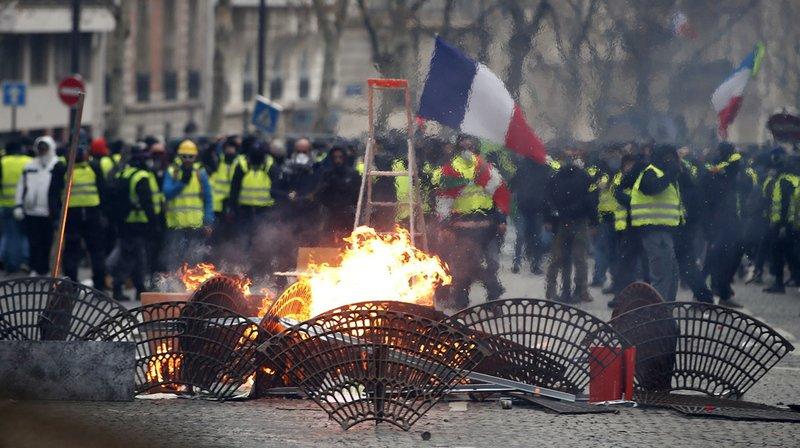 France: plus de 1000 gardes à vue après les violentes manifestations des «gilets jaunes»