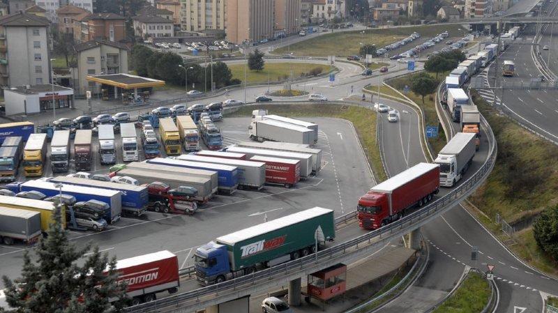 Environnement: l'Initiative des Alpes veut limiter les émissions de CO2 des camions qui n'ont pas baissé depuis 1990