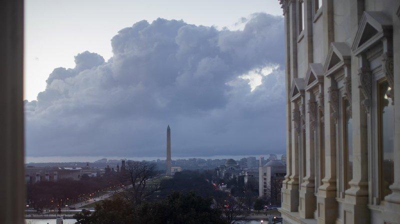 Le ciel s'assombrit au-dessus de Washington.