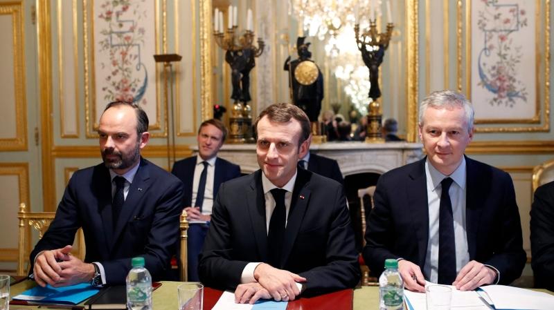 Emmanuel Macron, une crise à dix milliards