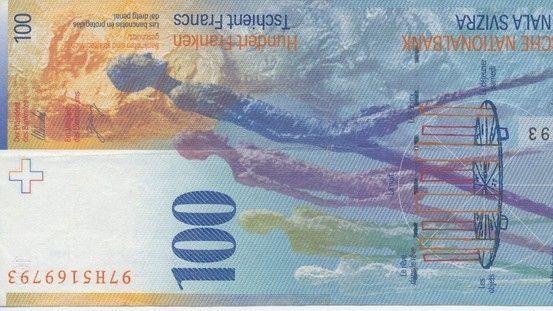 De faux billets de 100 francs ont été identifiés à Conthey et à Sion.