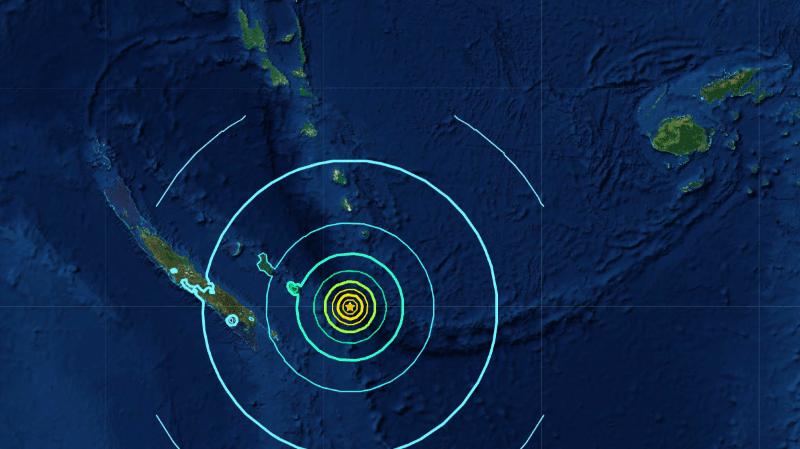 De dangereuses vagues de tsunami sont possibles dans les 1000 kilomètres de l'épicentre.