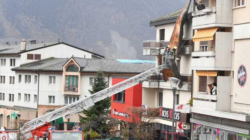 Le sommet d'un toit a été arraché à Fully.