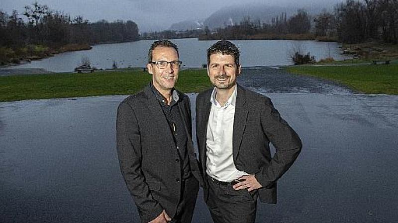 Stéphane Coppey (président de Monthey) et Yannick Buttet (président de Collombey-Muraz) sont convaincus des avantages qu'apporterait une fusion de leurs communes.