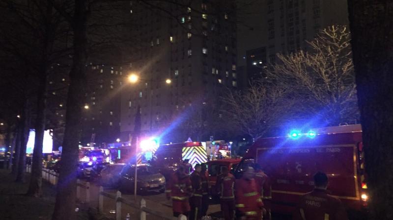 L'incendie a été maîtrisé peu après 23h00.