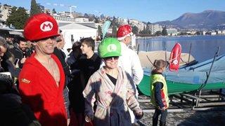 Baignade de «Santo Stefano»: plongeons glacés dans le lac de Lugano