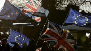 L'Union européenne est prête à aider Theresa May, mais pas à renégocier le Brexit