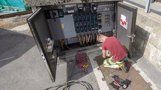 Valais: les électriciens gagneront 50 francs en plus par mois