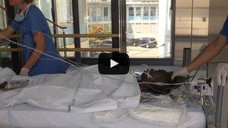 Terre des Hommes, la renaissance d'Abdoulaye en Valais: l'opération du petit en Suisse pour réparer son coeur