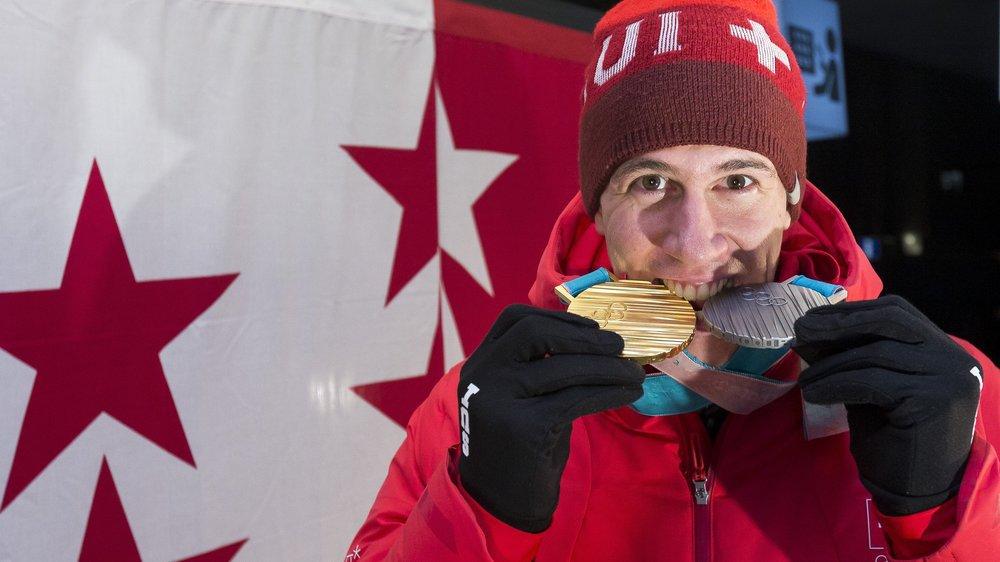 Ramon Zenhäusern a ramené deux médailles, une en or, l'autre en argent, des Jeux olympiques de PyeongChang.