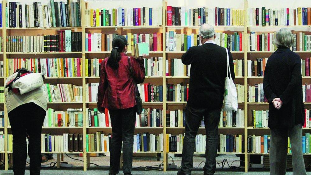 Les passionnés de littérature aiment fouiner dans les librairies pour y dénicher le titre tant attendu ou se laisser surprendre.