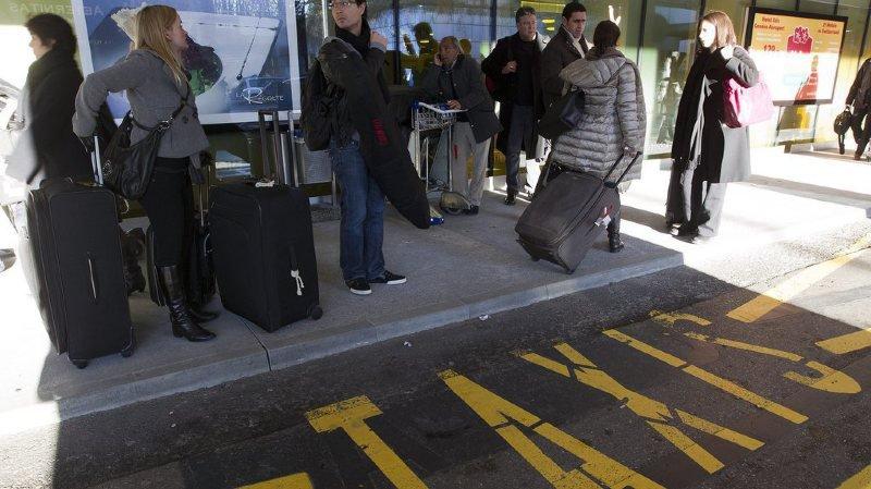 Les chauffeurs de taxi avaient interrompu jeudi leurs courses et occupé à tour de rôle les parkings de l'aéroport en signe de protestation. (illustration)