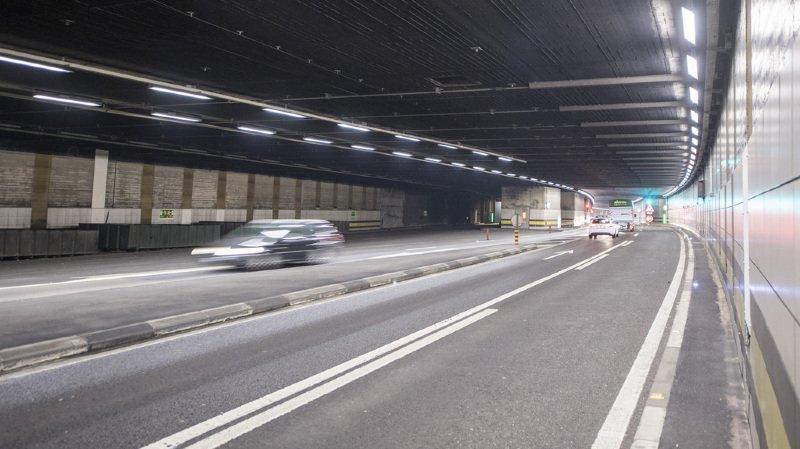 Le tunnel du Gothard fermé lundi matin en raison d'une voiture en feu