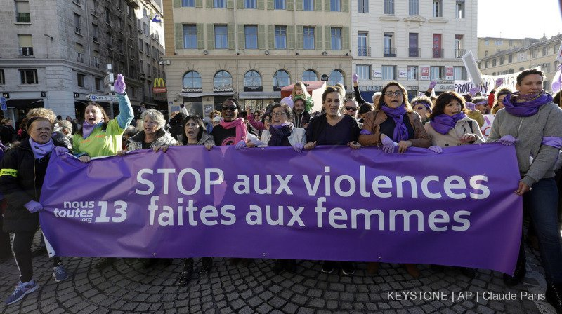 Egalité: les organisatrices de la grève des femmes publient un manifeste