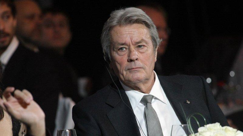 Les rumeurs annonçant la venue d'Alain Delon au Gala du FC Sion sont fausses. L'acteur, en colère, les dément formellement.