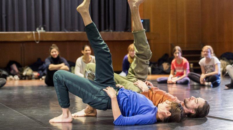 Le duo bâlois Rebecca Weingartner / Benjamin Lindh Medin dans leur chorégraphie très dansée.