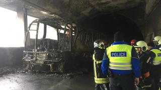 Ried-Brig: un car a pris feu dans un tunnel