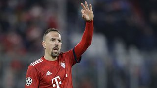 Franck Ribéry insulte ses détracteurs après avoir dégusté une entrecôte dorée