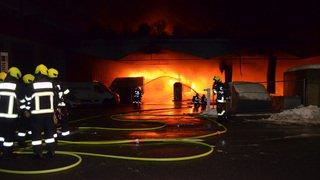 Un incendie ravage le dépôt de CarPostal à Coire