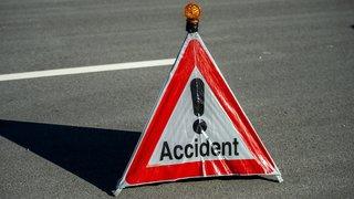 Vaud: un conducteur percute un pilier en béton et décède vers Rolle