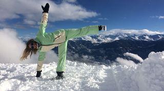 Plusieurs stations proposent de pratiquer le yoga avec vue sur les Alpes