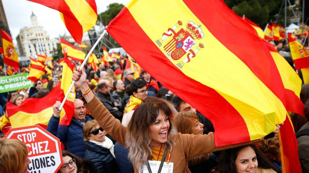 La droite dans la rue contre Pedro Sanchez