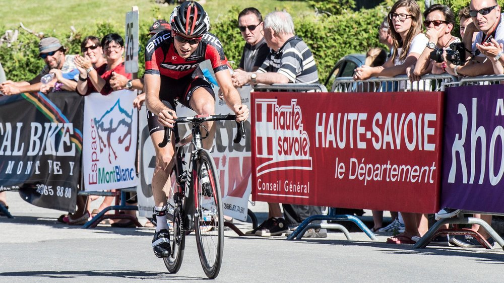 Valentin Baillifard lors de l'arrivée aux Marécottes en 2014. C'est la dernière fois que le Tour du val d'Aoste s'est arrêté en Valais.